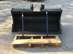 New 36 Excavator Ditch Cleaning Bucket For A Takeuchi Tb135 W Coupler Pins