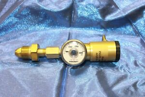 Argon nitrogen Regulator Click Style 50psi Outlet 3000psi Inlet Cga580 Hose Barb