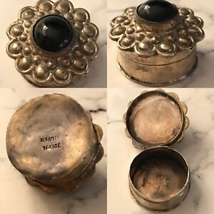Vintage Sterling Silver Mexican Trinked Pill Snuff Box Onyx