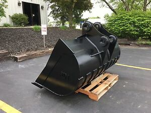 New 72 Ditch Bucket For A John Deere 160 With Pins