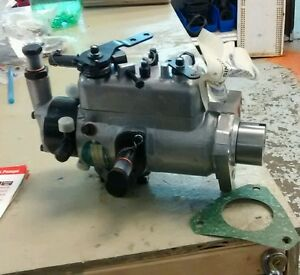 Ford Tractor Cav Injection Pump 3233f661 2000 Series 3 Cyl 65 74 231 2310