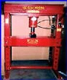 150 Ton Air Hydraulic Shop Press Fox Press