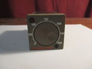 Omega Engineering 6100 Series Temperature Controller 6102 k 0 1500f Untested