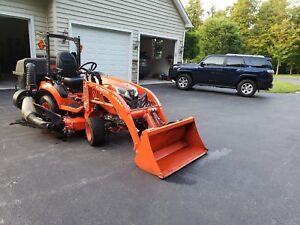 2017 Kubota Tractor Bx 2680 4x4 Sub compact loader mower bagger Mint Condition