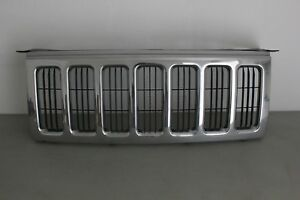 2006 2010 Jeep Commander Chrome Front Grille Grill Used Oem 06 10 Commander