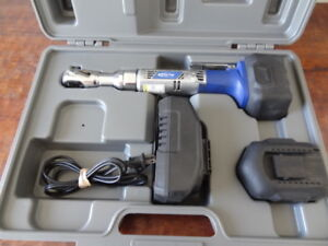 Blue Point Etb14460a 3 8 Drive 14 4v Cordless Ratchet Wrench Set By Snap on