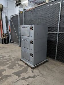 General Electric Cn40 Oven 3 Ovens Total Will Ship