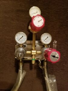 Prostar Platinum Praxair Gas Regulator Assembly Gauges W mount