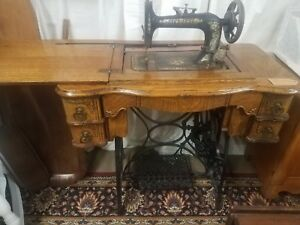 Antique 1906 New Home Oak Wood Treadle Sewing Machine Table And Drawers