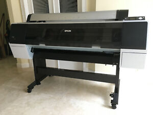 Epson Stylus Pro 9890 Photographic Printer 44 Barely Used Original Owner