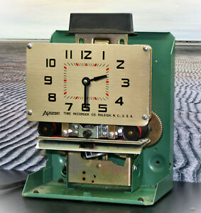 Acroprint Time Recorder 125nr4 Time Clock With Key Tested And Working