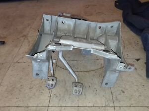 05 13 Corvette C6 Manual Transmission Brake Clutch Pedal Housing Bracket Aa6335