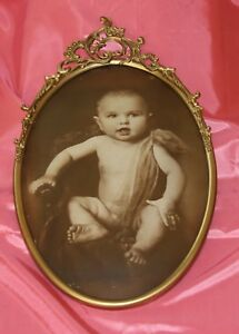 Vintage Oval Carved Metal Picture Frame With Convex Glass Old Photo