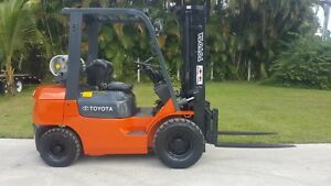 Toyota Forklift 6000 Lbs Pneumatic Tires Low Hours