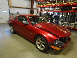 5 Speed Automatic Transmission Out Of A 2005 Ford Mustang 4 6l With 83 920 Miles