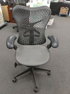 Used Herman Miller Mirra Office Chair excellent Condition