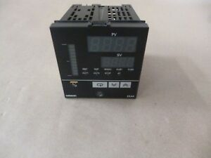 New Omron Temperature Controller E5ak aa2 500 1 4 Din 100 240vac Digital