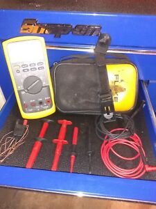 Fluke 87v Industrial True rms Multimeter W temperature Probe Case And Accesories