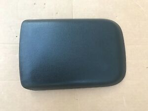 05 09 Ford Mustang Black Console Lid Arm Rest Armrest 06 07 08