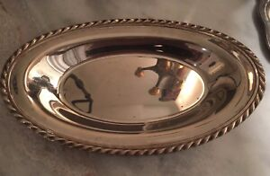 Vintage W M Rogers Scrolled Edge Silverplated Oval Bread Tray Dish Platter 4119