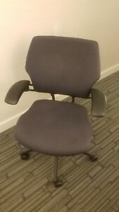 Humanscale Freedom Task Chair Black Mint Condition