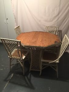 Wakefiekd Wicker Octagon Table 4 Chairs Side Server Teacart