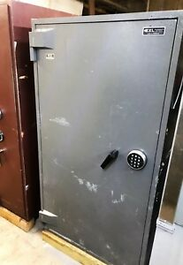 Exl Tl 30 Depository Safe With External Drop