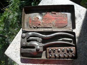 Vintage W A Whitney No 4 B Hand Punch W Dies Case Antique Rockford Il