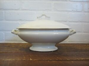 Vintage Maryland Pottery White Granite Warranted Ironstone Pedestal Tureen