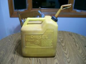 6 Gal Gallon Chilton Diesel Vented Old Style Fuel Can Jug Gas Can Plastic