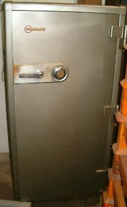 Large 1950 s Mosler Safe W known Combination Lock