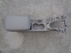2013 Ford Focus Center Console W Leather Armrest Arm Rest Lid W Cup Holder Oem