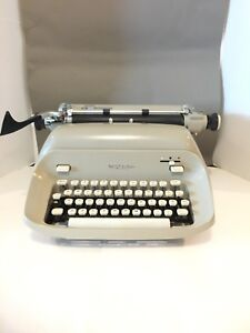 Vintage Royal 440 Manual Typewriter W original Dust Cover Ko rec type