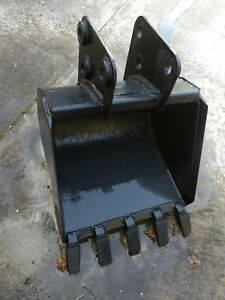 24 Bobcat Skid Steer Backhoe Escavator Attachment Bucket 909 709 607 911 811