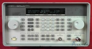 Hp Agilent Keysight 8648c 1ea Synthesized Signal Generator 9 Khz To 3200 Mhz