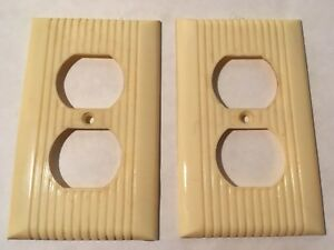 2 Vintage Mid Century Bakelite Single Gang Outlet Plate Covers W Lines