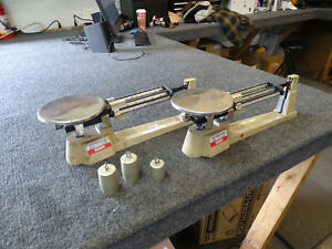 Lot Of 2 Ohaus 2610g Triple Beam Balance Scale W 3 Weights 1 Kilo