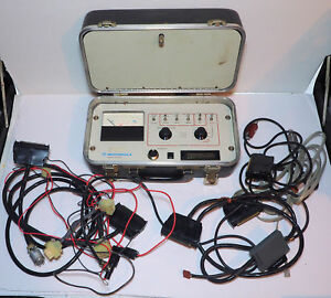 Motorola R1033a Radio Test Set In Case With Many Many Cables Connectors Manual