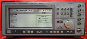 Rohde And Schwarz Smiq03b Signal Generator 300 Khz To 3 3 Ghz options