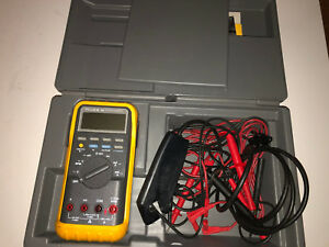 Fluke 88 Automotive Multimeter Kit With Case Nice Leads And More