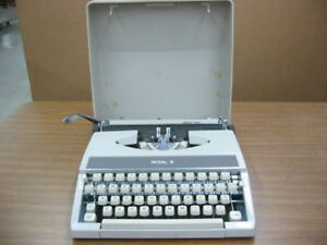 Vintage Royal Typewriter Case No Mc 8489595