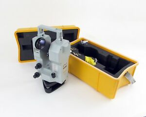 Zeiss Eth3 Electronic Precision Theodolite Transit Scope W Carrying Case