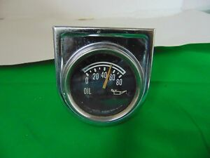 Vintage Oil Pressure Gauge With Bracket Stewart Warner Part 828365