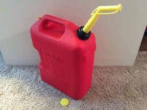 Vintage Chilton Made In The U s a 5 Gallon Red Plastic Vented Gas Can Model P 5