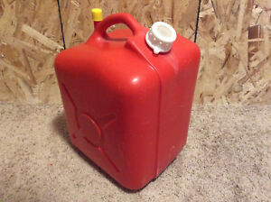 Vintage Jerry Can Red 5 Gallon Vented Plastic Gas Can Made By Dillon beck Mfg