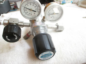 Airgas Controls Corp Pressure Regulator 4321331 540 With 30 4000 Gauges