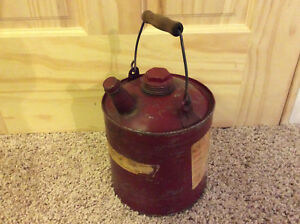 Vintage Wooden Handle Metal 1 1 1 2 Gallon Red Vented Gas Can Chilton Gott