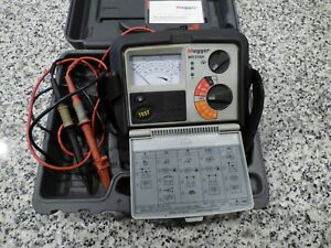 Megger Mit310a Analog Insulation Tester W Leads Cd Rom Manual Nice Case