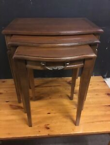 Set Of 3 Vintage Mahogany Tone Mid Century Nesting Tables Wood Stunning