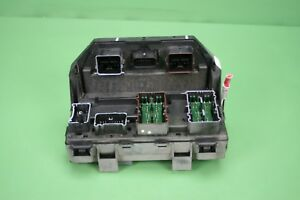 09 10 Dodge Caravan Journey Fuse Box Tipm Bcm Integrated Power Module Block